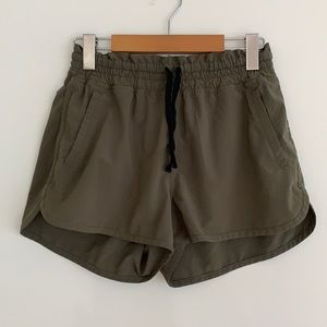 Lole Elastic Waist Drawstring Shorts Olive SzS